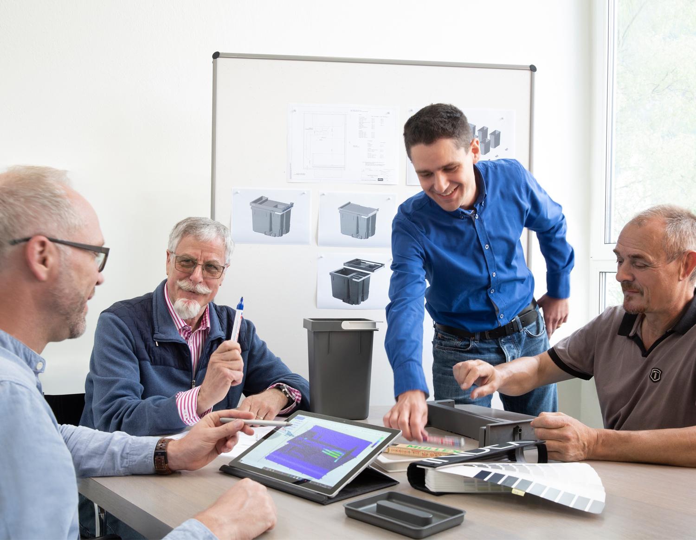 Projekt Management für individuelle Lösungen in Kunststoff